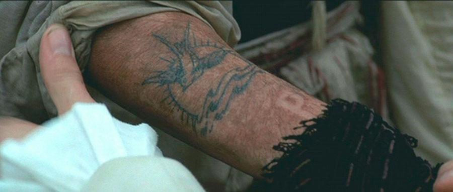 Johnny Depp tatuaje Piratas del Caribe